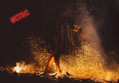 Шаманы есть?   👹Находящийся в состоянии полной отрешенности шаман, ударяя в бубен, исполняет свой необычный танец. Это действо и завораживает, и пугает одновременно. Ведь он, выполнив нужные обряды и ритуалы, общается с духами, как добрыми, так и злыми. Но что принесет это «магическое сотрудничество» людям?  О шаманах знают все. В их силу, способную влиять на жизни людей, верят многие. Но что это — правда или вымысел?  Шаманы — люди, исповедующие шаманизм. В давние времена он был…