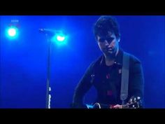 Green Day - Good Riddance (Time of Your Life) (Live @ Reading and Leeds Festival) [2013] [HD]Reminds me of High School Graduation :)