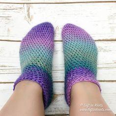 Crochet Cotton Candy Slipper Socks - Free Pattern — Left in Knots Easy Crochet Slippers, One Skein Crochet, Crochet Car, Crochet Socks, Crochet Shawl, Double Crochet, Free Crochet, Knitting Socks, Crotchet