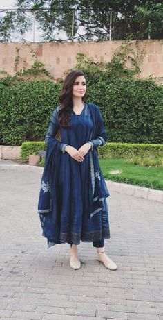 Best 10 Looks to bookmark ! Pakistani Fashion Casual, Pakistani Dress Design, Pakistani Dresses, Indian Dresses, Indian Outfits, Eid Dresses, Ethnic Outfits, Trendy Outfits, Bridal Dresses