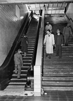 Berlin 1936 Rolltreppe im Bahnhof Zoo