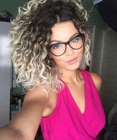 Youtuber e blogueira Nathalie Barros More