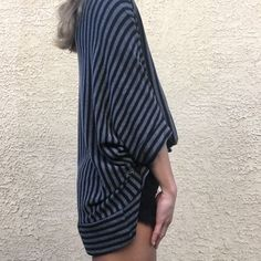 Black and Grey sweater Perfect condition Forever 21 Sweaters Cardigans