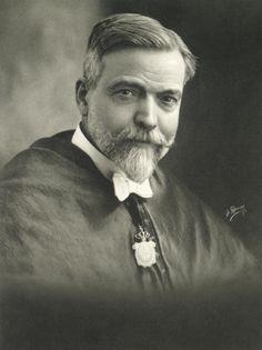 1920 - Dr. Gómez-Ferrer. El gran pediatra valenciano. Foto: J. Derrey