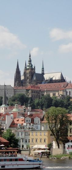 Prague Castle in the Czech Republic • photo: cainandwayne