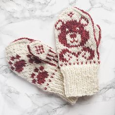 Ravelry: Toddler Teddy pattern by Tonje Haugli Boys Knitting Patterns Free, Fair Isle Knitting Patterns, Knitting For Kids, Knitting Yarn, Knitting Projects, Red Mittens, Knit Mittens, Knitted Gloves, Toddler Mittens
