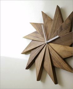And naturally, the high price of great already-made wood items can also be prohibitively high. The good news is increasingly more people are either entering into woodworking or are broadening their abilities and shops. Wall Clock Wooden, Wood Clocks, Antique Clocks, Wooden Art, Wooden Walls, Clock Wall, Woodworking Diy Gifts, Woodworking Projects, Woodworking Clamps