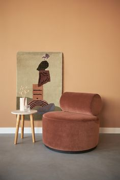 Trend: warm colors of terracotta and pink - Trend: warme kleuren terracotta en pink Get the warm colors in your is back - Room Inspiration, Interior Inspiration, Cozy Reading Corners, Simple Sofa, My New Room, Warm Colors, Cozy House, Home Living Room, Colorful Interiors