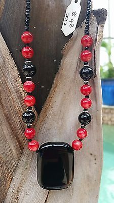 Red and black agate necklace