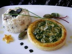 Feuilleté d'escargots au pesto, risotto aux champignons et truffe Vol Au Vent, Sauce Pesto, Camembert Cheese, Mousse, Entrees, Food And Drink, Appetizers, Snacks, Dinner