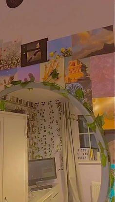 Indie Bedroom Decor, Indie Room, Retro Room, Vintage Room, Room Design Bedroom, Bedroom Ideas, Chambre Indie, Cute Room Decor, Aesthetic Bedroom