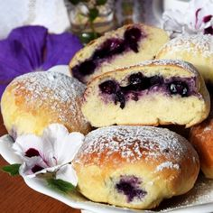 Soft yeast cake, blueberry filling and icing – that's a perfect combination <3 I can't imagine summer without blueberry buns!