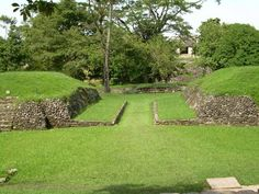 Palenque easily ranks with Chichen Itza, Uxmal and Tikal in architecture and magnificence