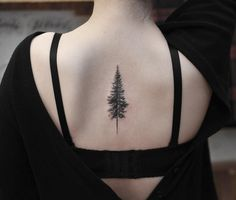 50 beautiful and meaningful tree tattoos, inspired by the way of nature . - 50 beautiful and meaningful tree tattoos, inspired by the way of nature – Kiefer Tattoo © Tattoo - Tree Tattoo Back, Back Tattoos, Body Art Tattoos, Small Tattoos, Forest Tattoos, Nature Tattoos, Funny Tattoos, Cool Tattoos, Piercing Tattoo