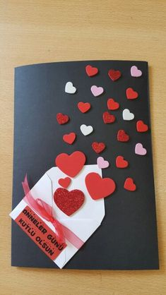Create beautiful and colorful cards with leftovers of cardboard or foamy - סקראפ - Muttertag Mothers Day Crafts, Valentine Day Crafts, Handmade Birthday Cards, Diy Birthday, Love Cards, Diy Cards, Homemade Cards, Diy Gifts, Greeting Cards