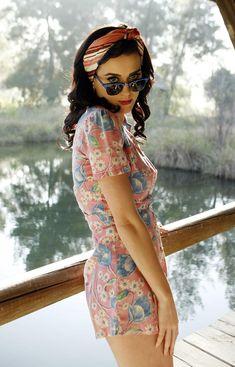 Katy Perry in a floral romper.just love all her styles Estilo Pin Up, Estilo Retro, Disfraz Katy Perry, Looks Vintage, Vintage Tea, Retro Vintage, Katy Perry Fotos, Peliculas Western, Bild Tattoos