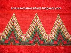 E aqui, mais algumas inspirações para Vagonite, pro NATAL!!!                                                                                                                                                                                 Mais Swedish Embroidery, Towel Embroidery, Hand Embroidery Stitches, Silk Ribbon Embroidery, Embroidery Patterns, Bargello Patterns, Bargello Needlepoint, Crochet Square Patterns, Huck Towels