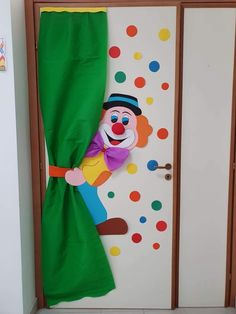 The Effective Pictures We Offer You About DIY Carnival ideas A quality picture can tell you many things. You can find the most beautiful pictures that can be presented to you about DIY Carnival ideas Decoration Cirque, Decoration Creche, Board Decoration, Class Decoration, Clown Crafts, Carnival Crafts, Diy And Crafts, Crafts For Kids, Paper Crafts