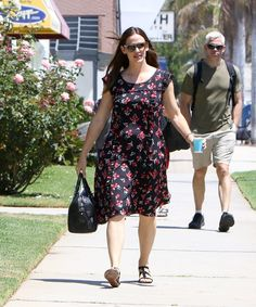 Pin for Later: Jennifer Garner Looks Incredibly Carefree While Out and About in LA