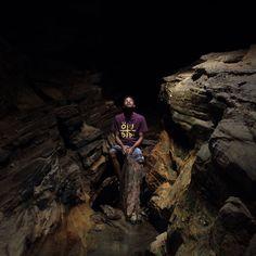 Novas aventuras  #adventure #aventura #ous #ousoficial #carrancas #mg #trip #trip2016 #nature #natureza #cristalina #water #mountain #gruta #preservação #fotograf #fotografia #lifestyle #brasa #uai   foto: @leandroalvesh by davimaximo_