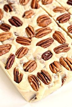 Butter Pecan Fudge is buttery, nutty, and has just the right amount of crunch. A… Butter Pecan Fudge is buttery, nutty, and has just the right amount of crunch. And so easy to make! Fudge Recipes, Candy Recipes, Sweet Recipes, Dessert Recipes, Pecan Recipes, Easy Dinner Recipes, Cooking Recipes, Christmas Desserts, Christmas Baking