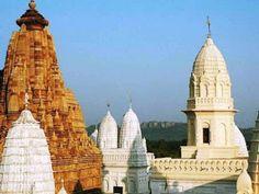 Khajuraho (Best Honeymoon Destinations In India) | BestHoneymoonDestinationss.blogspot.com Temple India, Hindu Temple, North India Tour, Medieval, Best Honeymoon Destinations, View Wallpaper, India Travel, India Trip, Madhya Pradesh