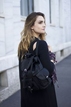 Cappotto senza maniche #sleveless #outfit #greyjeans #backpack