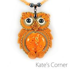 Orange owl - soutache Soutache Pendant, Soutache Jewelry, Soutache Tutorial, Orange Accessories, Owl Crochet Patterns, Ribbon Art, Brooches Handmade, Button Crafts, Selling Jewelry
