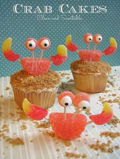 These crab cupcakes are SO cute!  Perfect for an under the sea party! Fun cakes for a mermaid or undersea party.  Dessert table ideas.