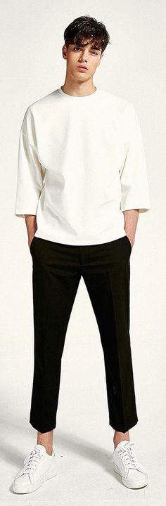 어디에나 깔끔하게 매치되는 7부 티셔츠, Model: 187cm / 74kg / Free size