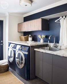 26 Top Laundry Room Design Ideas For Your Home Interior - Lovely rustic cabinets for laundry room Home, Laundry Room Wall Decor, Blue Laundry Rooms, Bathrooms Remodel, Modern Room, Fashion Room, Room Design, Modern Rustic Decor, Rustic Laundry Rooms