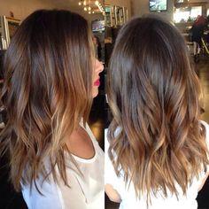 Today's #hairpainting #livedincurls #beachhair #balayage #texturespray #meltedcolor #matrix