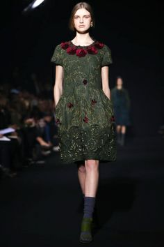 Alberta Ferretti Ready To Wear Fall Winter 2014 Milan - Feb. 19th