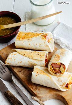 Egg burritos with sausage. Easy recipe for breakfast - Healthy Fast Food Breakfast, Breakfast Recipes, Breakfast Desayunos, Breakfast Burritos, Gourmet Recipes, Healthy Recipes, Food Porn, Snacks, Easy Cooking