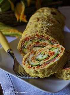 Rotolo di peperoni,zucchine con prosciutto e mozzarella http://blog.giallozafferano.it/graficareincucina/rotolo-di-peperonizucchine-con-prosciutto-e-mozzarella/