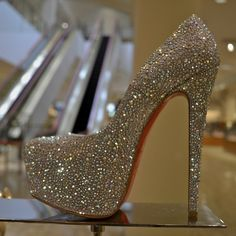 I'm not even a big shoe fanatic, but seriously, how can you not love these! OMG!