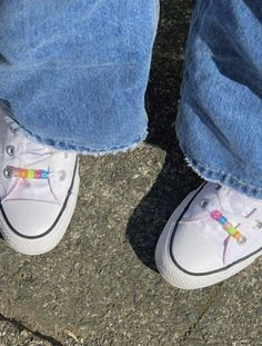romantic date outfit Aesthetic Shoes, Aesthetic Clothes, Sup Girl, Indie Kids, Look Vintage, Dream Shoes, Custom Shoes, Chuck Taylor Sneakers, Sock Shoes