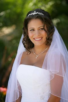 Wedding Hairstyles with Round Faces