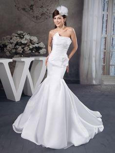 Taffeta Strapless Mermaid Wedding Dress with Floral Embellisment Brands:AmarantaFreeship:YESFabric:Satin/Taffeta/Stretch SatinFabric(main):WeddingTailoring Time (Standard):10-15 DaysTailoring Time (Rush Order):7-10 DaysSilhouette:Mermaid/TrumpetNeckline:AsymmetricalShoulder Strap:StraplessWaist:DroppedBack Detail:ZipperTrain:Court TrainEmbellishment:Flower/PleatsFully…