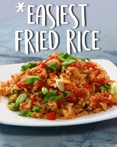 Easiest Fried Rice Easiest Fried Rice Yesi Recetas This is a great clean-your-fridge-out kinda dinner Easiest Fried Rice friedrice easyrecipes tastyfoodvideos nbsp hellip Broccoli videos Combination Fried Rice, Asian Recipes, Healthy Recipes, Yummy Recipes, Rice Recipes For Dinner, Butter Chicken, Rice Dishes, Food Videos, Chicken Recipes
