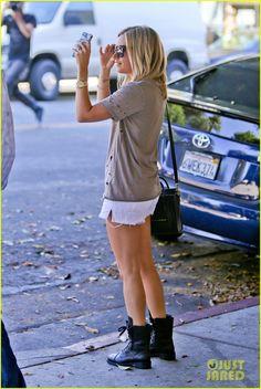 Vanessa Hudgens & Ashley Tisdale Get Their Hair Done Together!