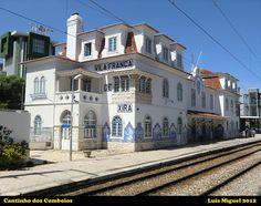 Estação da CP de Vila Franca de Xira Portuguese Tiles, Ancient Buildings, Locomotive, Lisbon, Costa, Train Stations, Mansions, Architecture, House Styles