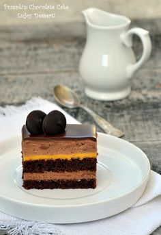 Cake with chocolate mousse and pumpkin Romanian Desserts, Romanian Food, Romanian Recipes, Pumpkin Recipes, Cookie Recipes, Dessert Recipes, Pumpkin Whoopie Pies, Chocolate Mousse Cake, Chocolate Cakes