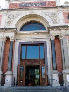 Entrence, read about Ny Carlsberg Glyptotek on the blog http://www.copenhagen-sightseeing.dk/glyptotek/