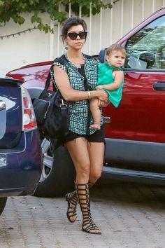 Kourtney Kardashian and Penelope   Celebrity-gossip.net