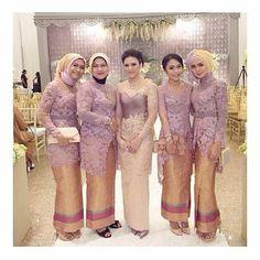 . Kebaya inspired by @dinidjoemiko . Yuk share desain gaun dan kebaya muslim cantikmu tag langsung ke @gaundankebayamuslim . . #seragamkebaya #bridesmaid #inspirasikebaya #inspirasikebayamuslim #desainkebaya #kebayacantik #kebayapesta #kebayamuslim