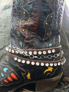 Shoes : Footwear :: The Rhinestone Leopard Gypsy Cowgirl, Cowgirl Style, Cowgirl Boots, Bling Belts, Boot Bling, Country Girls, Country Style, My Style, Boot Bracelet