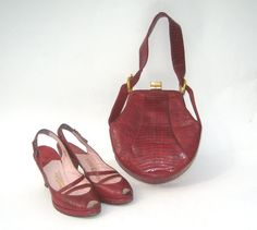 size 7 / 1940s red lizard platforms and purse set