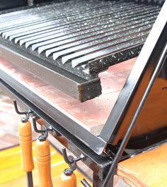 Homemade Grill, Diy Grill, Food Cart Design, Grill Design, Griddle Grill, Grill Grates, Parilla Grill, Argentine Grill, Metal Bending Tools