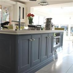 Browse thousands of interior and exterior images from Farrow & Ball. Be inspired with stunning home decor images and design ideas for your home. Kitchen Island Decor, White Kitchen Island, White Kitchen Cabinets, Painting Kitchen Cabinets, Kitchen Cupboard Colours, Kitchen Handles, Kitchen Colors, Cabinet Colors, Cooks Blue Farrow And Ball